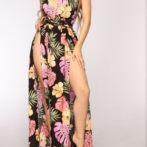 Fashion nova open back maxi black floral dress